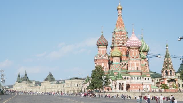 view-of-Pokrovsky-Cathedral-on-Red-Square-in-Moscow-city