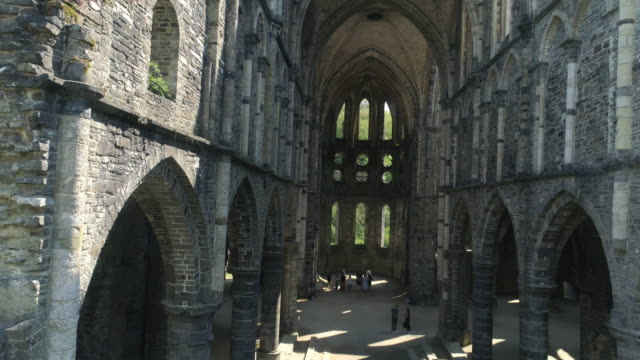 Ruined-cathedral-in-sunlight