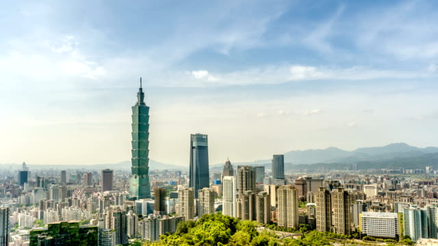 Cityscape-timelapse-Taipei-Taiwan-Camera-zoom-in-