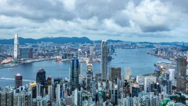 timelapse-of-Hong-Kong-skyline-and-Victoria-Bay-day-to-night