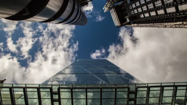 Time-lapse-of-Lloyd-s-Building-and-Leadenhall-Building