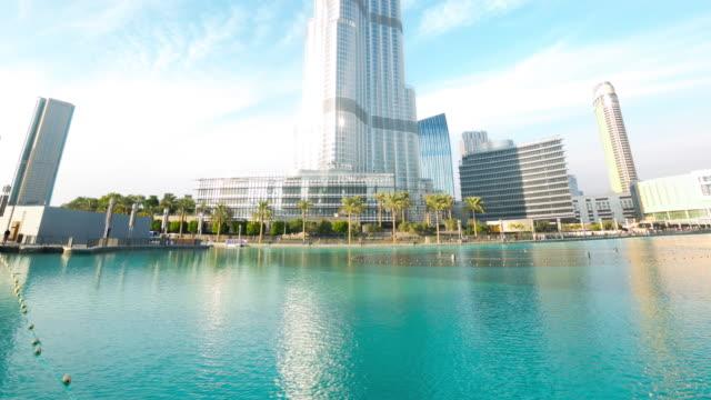 burj-khalifa-sunny-view-time-lapse