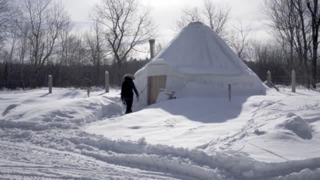 Yurt-winter-in-ontario-4K-video