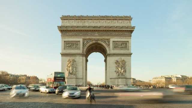 france-sunny-day-paris-city-most-popular-tourist-place-arch-de-triumph-4k-time-lapse