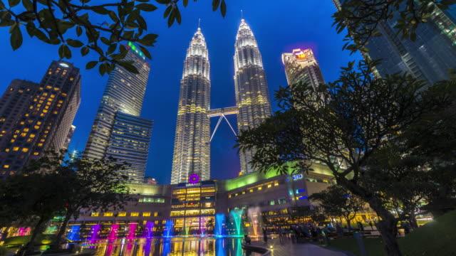 Kuala-Lumpur-Sunset-Time-Lapse-con-las-torres-gemelas-de-Petronas-visible-