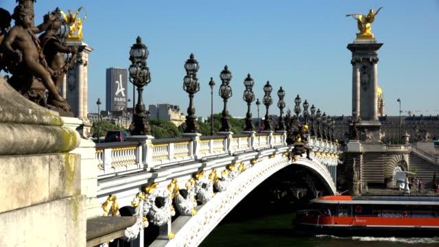Puente-Alexandre-III-París-Francia