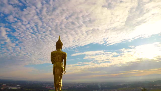 Time-Lapse-:-Standing-Buddha-Statue-At-Wat-Phra-That-Khao-Noi-Temple-Northern-Thailand