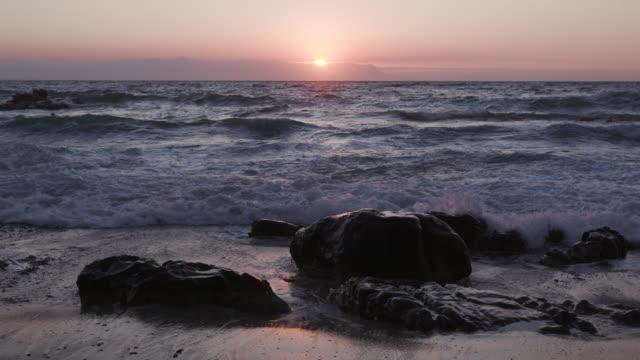 Brechenden-Wellen-am-Strand-rocks-Kapstadt-Südafrika