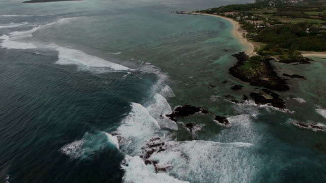 Ocean-view-and-Mauritius-landscape-aerial-shot