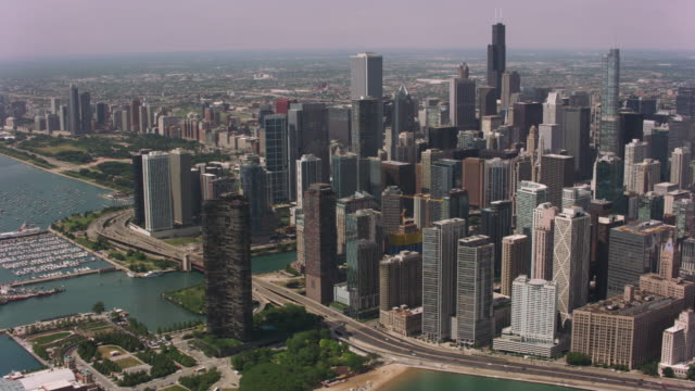 Daytime-aerial-shot-of-and-downtown-Chicago-