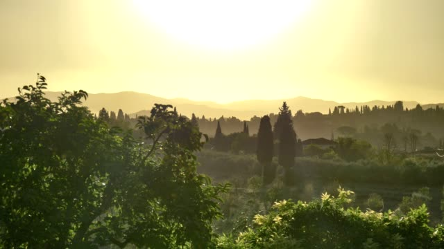 Beautiful-morning-in-Florence-and-its-stunning-country-side-landscape-
