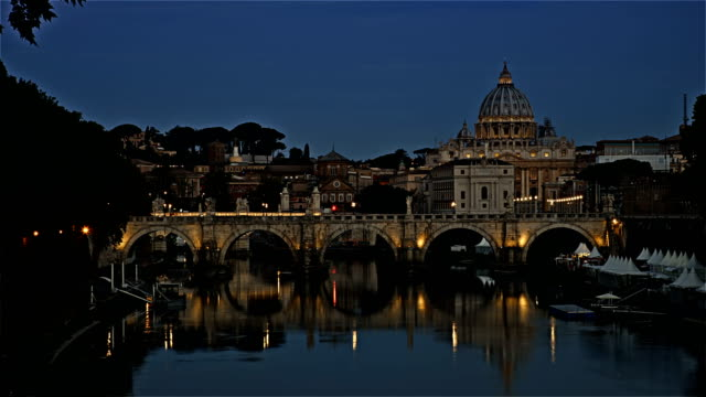 Time-lapse-on-Vatican---Saint-Peter-Basilica