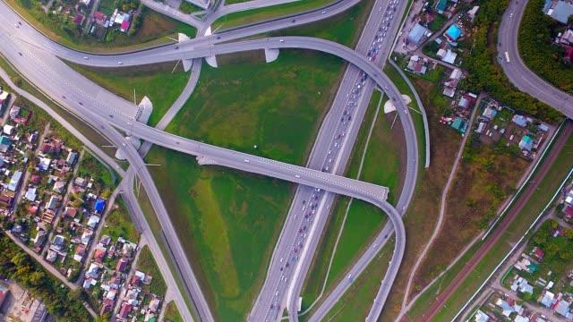 Rotonda-de-rotonda-de-intersección-calle-Hyperlapse-ciudad-en-Novosibirsk