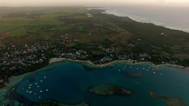 Mauricio-tiro-aéreo-de-la-costa-y-continental