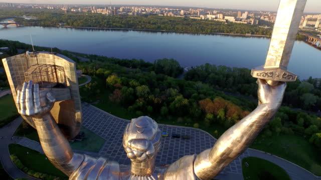 Kiev---la-capital-de-Ucrania-Madre-patria-Vista-aérea-