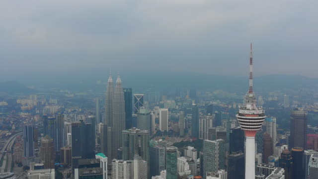 panorama-aérea-de-la-ciudad-famosas-torres-de-Kuala-lumpur-paisaje-urbano-4k-Malasia