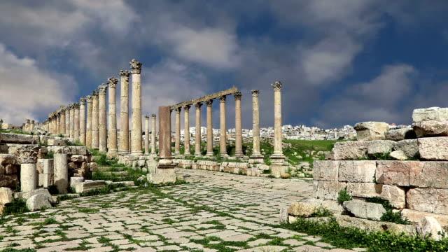 Ruinas-romanas-en-la-jordana-ciudad-de-Jerash-(Gerasa-de-la-antigüedad)-el-capital-y-la-ciudad-más-grande-de-Jerash-Governorate-Jordania