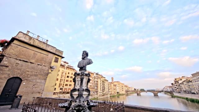sculpture-in-Ponte-Vecchio-bridge-in-Florence