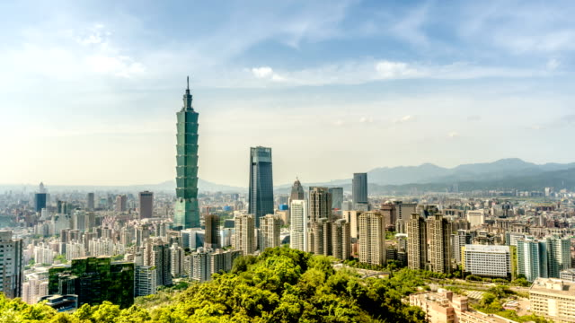 Taipei-101-cityscape-time-lapse-in-Taiwan-Camera-pan-upward-