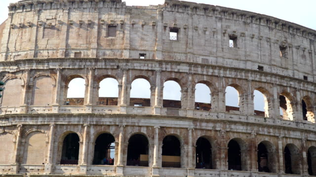 The-big-landmark-of-Roma-Italy,-the-Colosseum