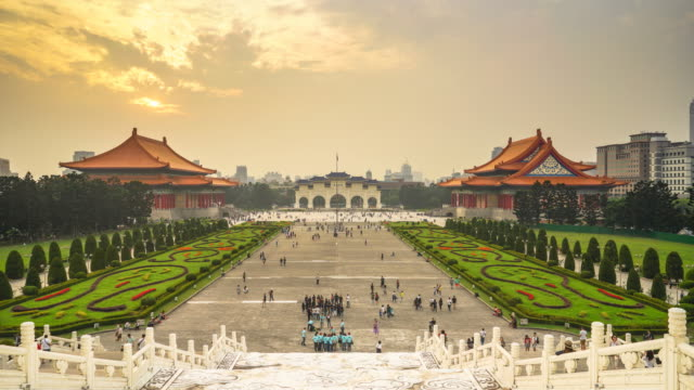 4K-Timelapse-:-Liberty-square-sunset-view-from-Chiang-Kai-Shek-Memorial-Hall-Showing-people-and-tourists-walking-and-doing-several-activities-Taipei-Taiwan-