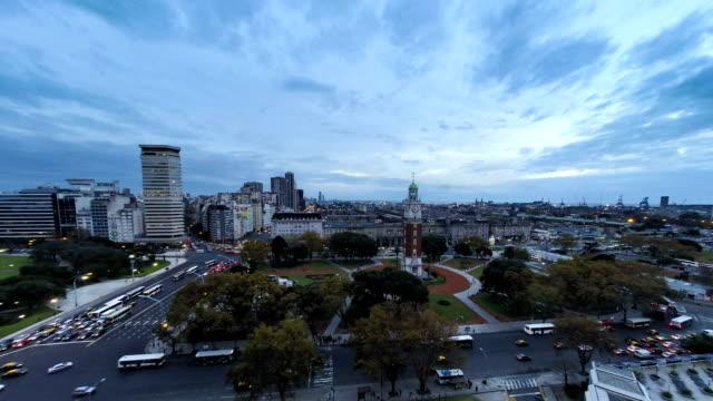 Buenos-Aires,-Argentina-torre-reloj-con-lapso-de-tiempo-de-la-puesta-de-sol