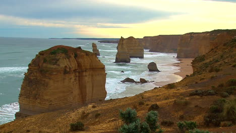 Establishing-shot-of-the-12-Apostle-rock-formations-along-the-Great-Ocean-Road-of-Victoria-Australia