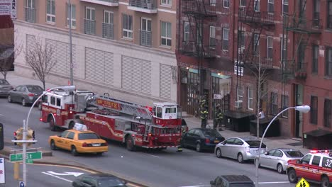 Firefighters-respond-to-an-emergency-in-Brooklyn-1