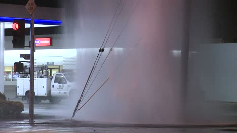 Water-gushes-out-of-a-broken-water-main-in-Los-Angeles