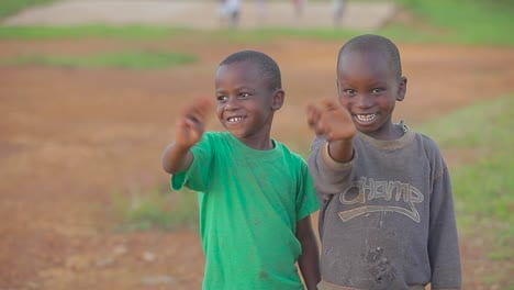 African-children-give-a-thumbs-up-to-the-camera