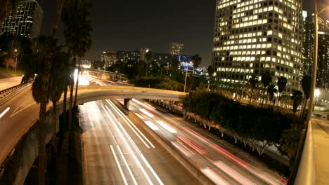 Timelapse-of-Los-Angeles-city-traffic-on-a-downtown-highway-at-night