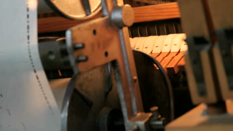 Timelapse-of-the-moving-inside-parts-in-a-player-piano