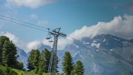 Swiss-Cable-Car-4K-00