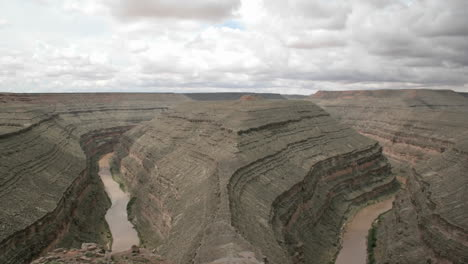 Timelapse-shot-of-storm-clouds-forming-over-a-steep-river-valley-in-Goose-Neck-State-Park-1