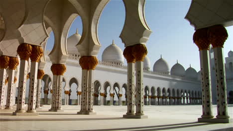 The-pillars-of-the-beautiful-Sheikh-Zayed-Mosque-in-Abu-Dhabi-United-Arab-Emirates-at-sunset