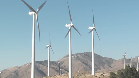 Windmills-Are-Turned-By-The-Wind-In-Tehachapi-California