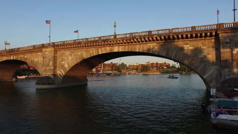 Aerial-Under-London-Bridge-In-Lake-Havasu-Arizona