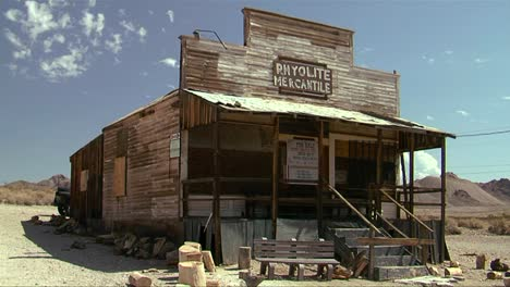 A-rundown-abandoned-building-in-the-old-ghost-town-of-Rhyolite-Nevada-near-Death-Valley-national-park