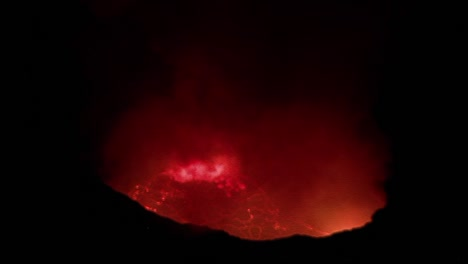 The-Nyiragongo-volcano-erupts-at-night-in-the-Democratic-Republic-of-Congo