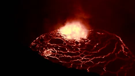 The-spectacular-Nyiragongo-volcano-erupts-at-night-in-the-Democratic-Republic-of-Congo