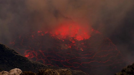 The-spectacular-Nyiragongo-volcano-erupts-at-night-in-the-Democratic-Republic-of-Congo-6