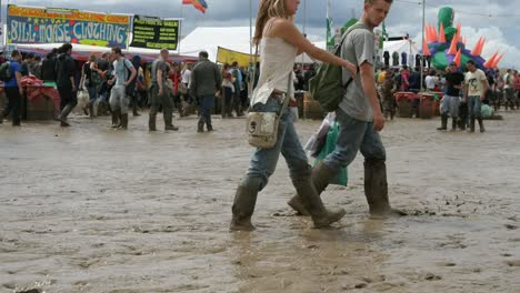 Glastonbury-Mud-04
