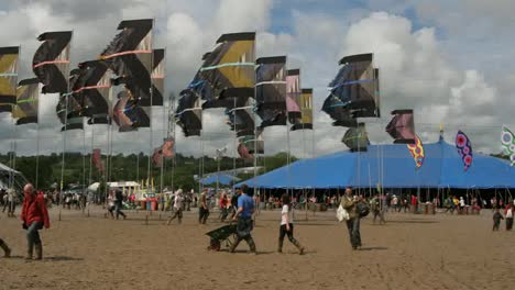 Glastonbury-Mud-05