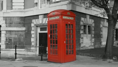 Red-Phonebooths-Bw