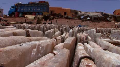 Stone-goods-are-bundled-and-shipped-in-Mali-Africa