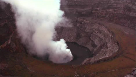 The-Nyiragongo-volcano-by-daylight-in-the-Democratic-Republic-of-Congo