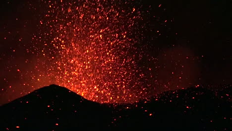 The-Cabo-Verde-volcano-erupts-at-night-in-spectacular-fashion-on-Cape-Verde-Island-off-the-coast-of-Africa-6