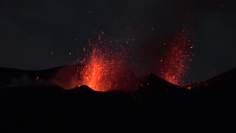 The-Cabo-Verde-volcano-erupts-at-night-in-spectacular-fashion-on-Cape-Verde-Island-off-the-coast-of-Africa-8