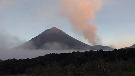 The-Cabo-Verde-volcano-erupts-on-Cape-Verde-Island-off-the-coast-of-Africa-5