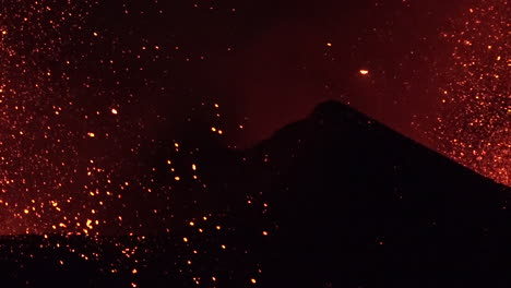 The-Cabo-Verde-volcano-erupts-at-night-in-spectacular-fashion-on-Cape-Verde-Island-off-the-coast-of-Africa-9